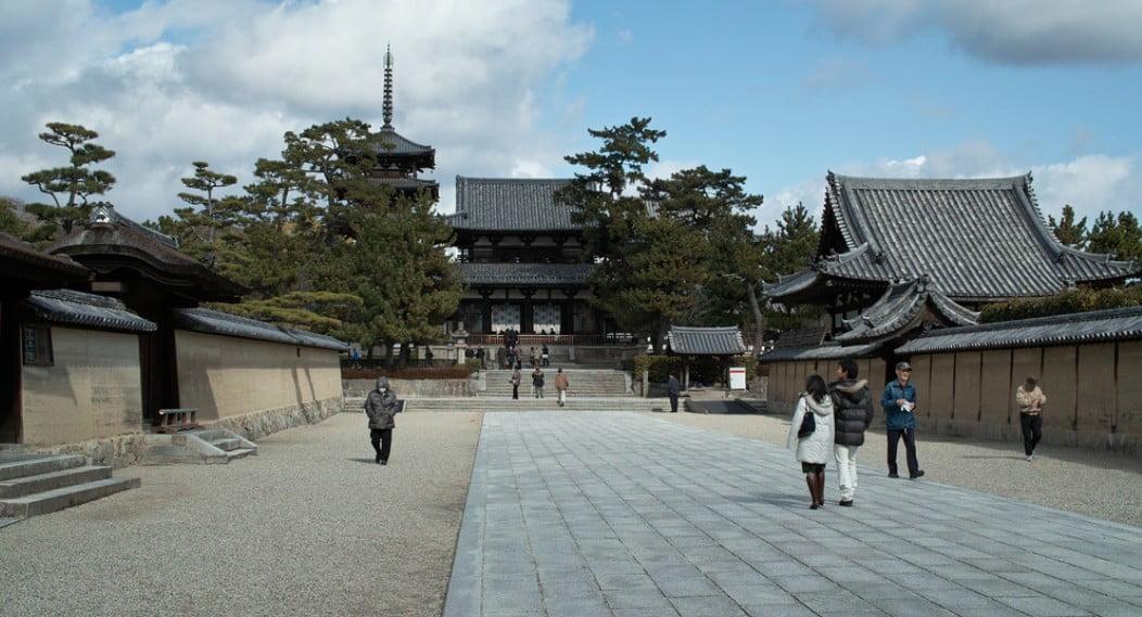 奈良・法隆寺の お守りは郵送できる?「通販と返却(返納)」について