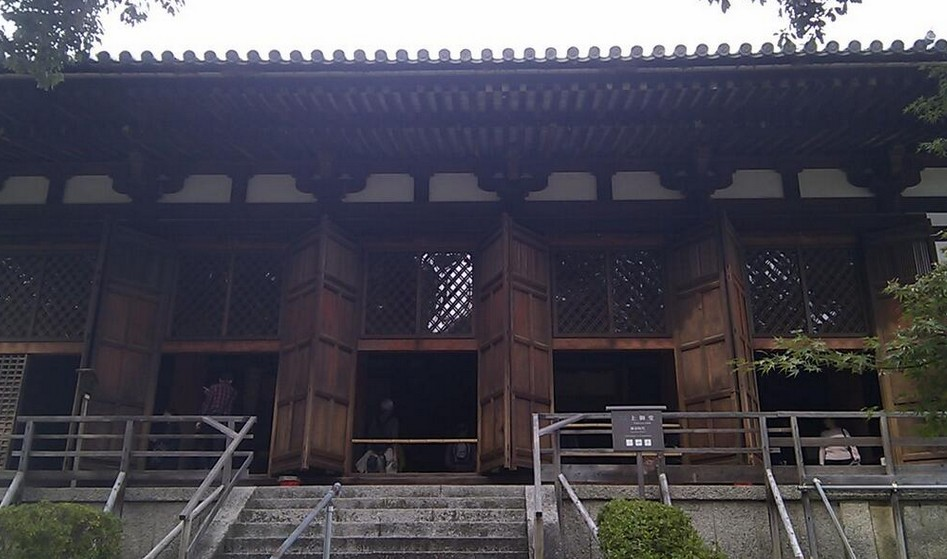 法隆寺・上御堂(上堂)