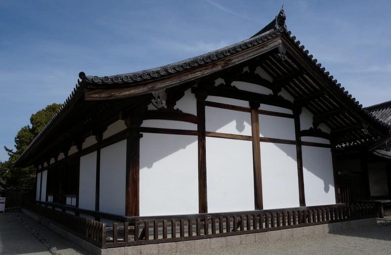 奈良・法隆寺東院「伝法堂」