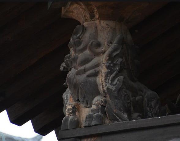 ↑法隆寺・五重塔「獅子」の彫刻