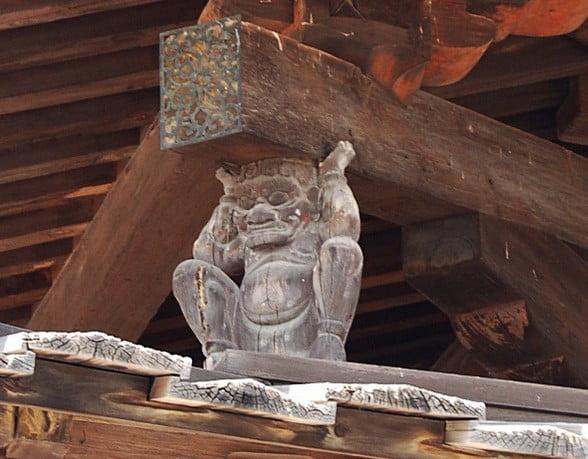 法隆寺・五重塔「鬼」の彫刻