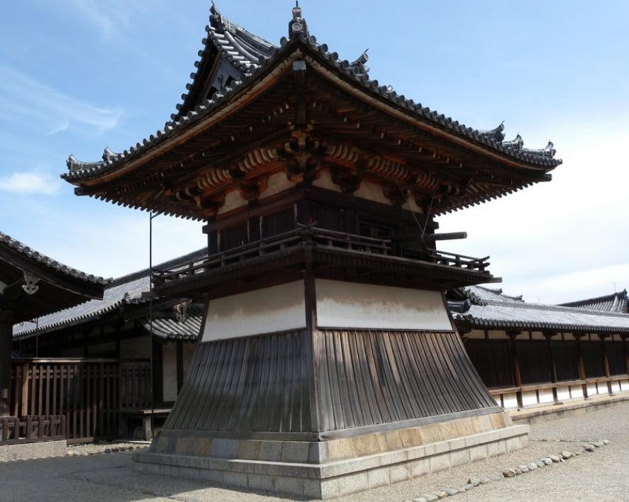 法隆寺・鐘楼(しょうろう)【国宝】