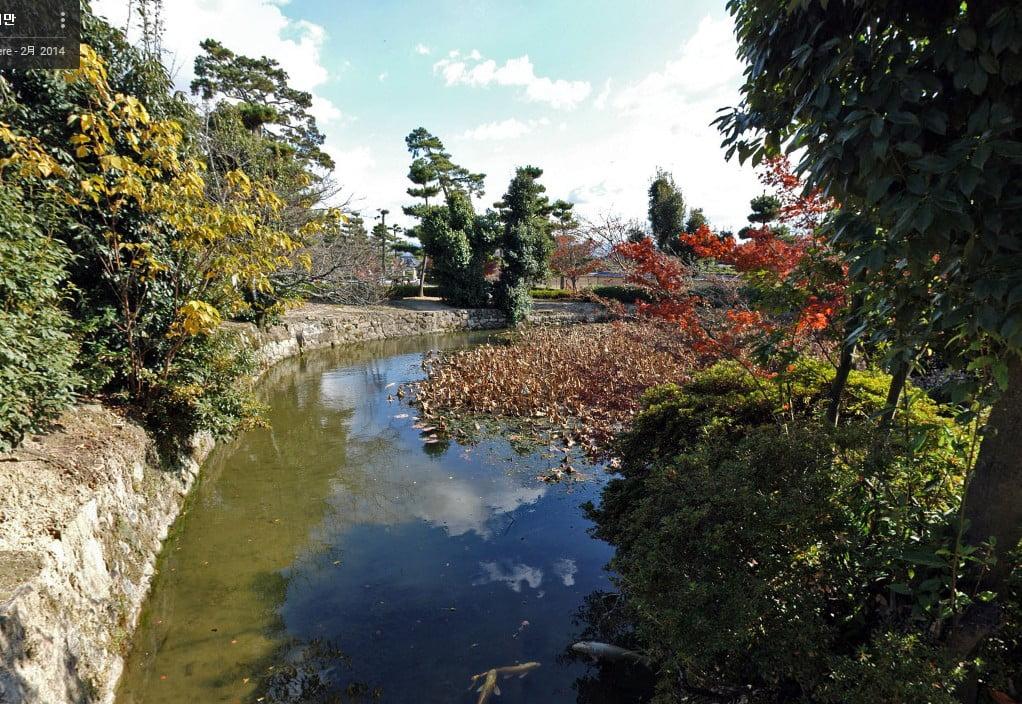 法隆寺・因可池(よるかのいけ)