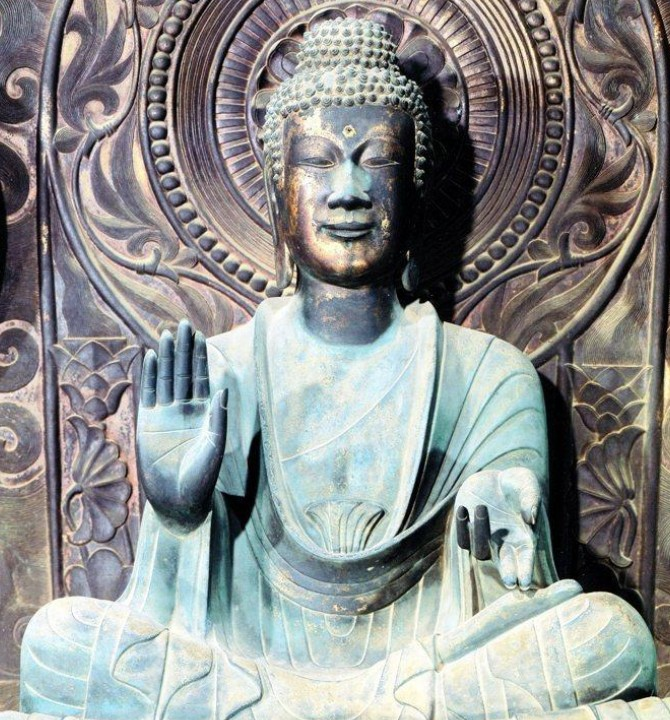 「薬師如来像」と「本尊・釈迦如来坐像」の作風の相違に残る疑問点