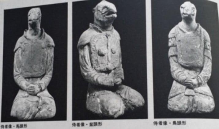 法隆寺の謎の塑像