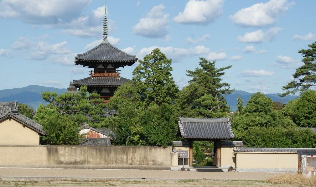 奈良・法起寺(ほうきじ)