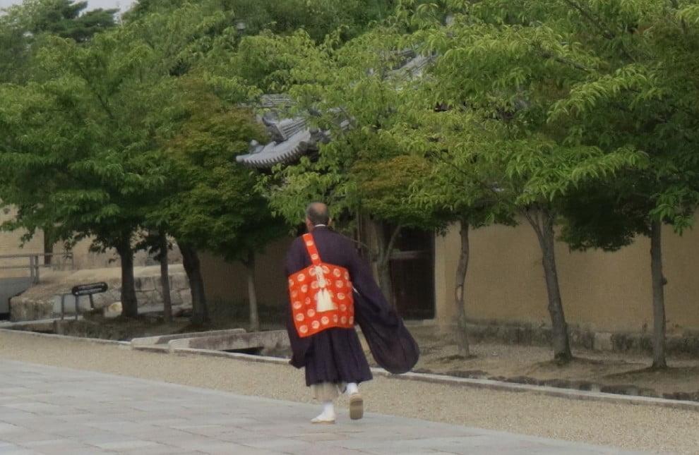 法隆寺で働きたい!法隆寺の求人情報「アルバイト・パート・正社員・契約社員」と僧侶になるためには?