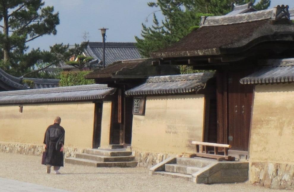 法隆寺の僧侶になるためには?