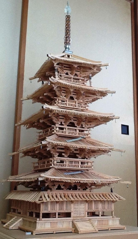 奈良・法隆寺の縮小模型「プラモデル」