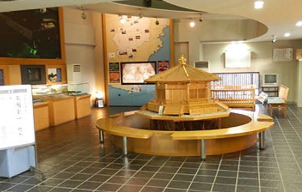 法隆寺iセンターの館内